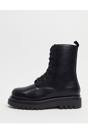 Truffle Collection Minimal chunky lace up boots in