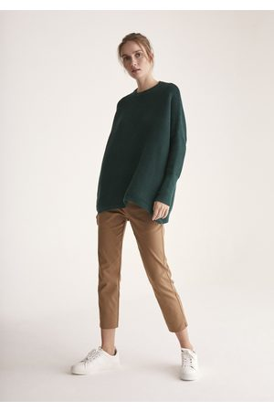 Paisie Ribbed Jumper with Side Splits in Green