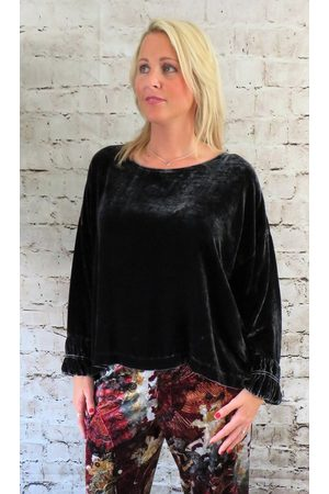 Out Of Xile Silk Velvet Wide Top in Quartz
