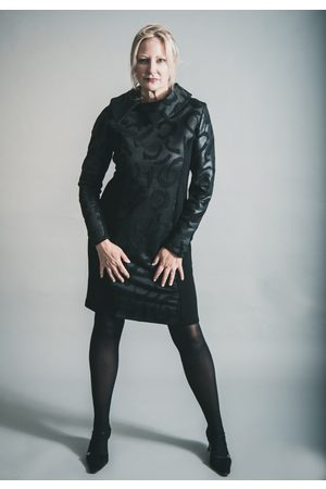 Elsewhere Clothing ELSEWHERE HANTAS LAKE FITTED DRESS