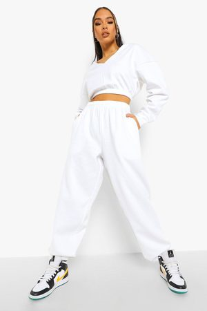 Boohoo Womens V Neck Crop Sweater And Joggers Set - - S