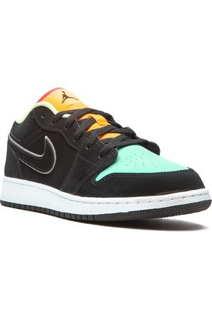 "Nike TEEN Jordan 1 Low SE ""Aurora Green"" sneakers"