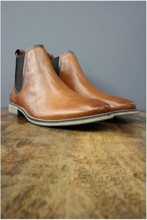 Front Stanford Tan Leather Chelsea Boots