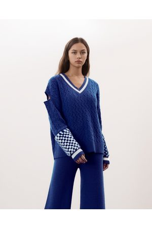 Izaak Azanei Oversized V-Neck Sweater