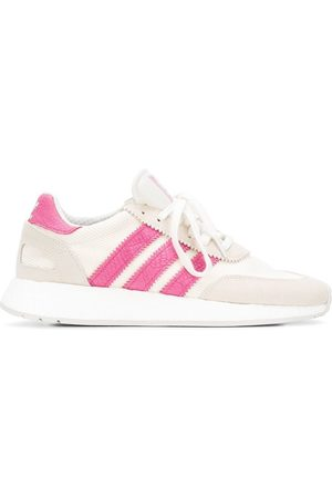 adidas WOMEN'S D96618 LEATHER SNEAKERS