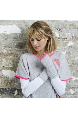 Cove Cashmere wrist warmers grey & neon pink