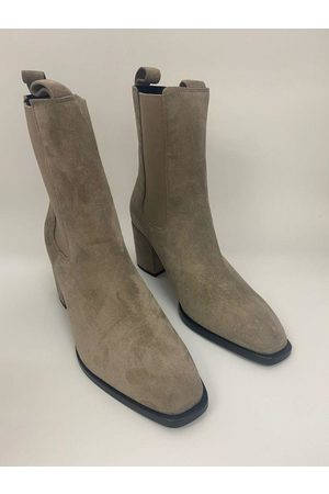 Kennel & Schmenger Suede ankle Erin Boots in Pebble 41-62210-359