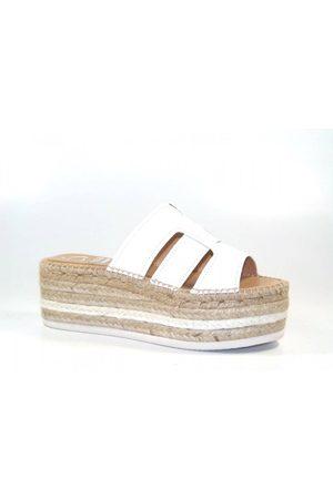 Kanna OUTLET Ana Maragrita Croc Flatform Sandal Colour: