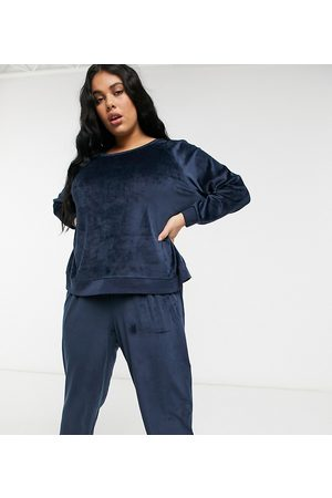 Chelsea Peers Curve recycled poly super soft fleece lounge sweatshirt and sweatpants set in