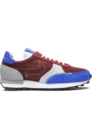 Nike Daybreak Type low-top sneakers