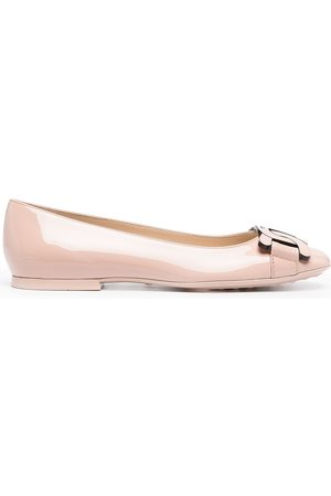 Tod's Women Ballerinas - Chain-toe patent leather shoes