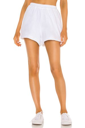 TERRY Cruise Short in White.