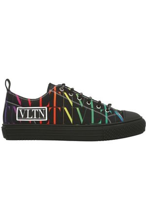 VALENTINO Men Sneakers - Giggies low-top sneakers