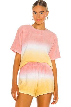 TERRY Tee in Pink.