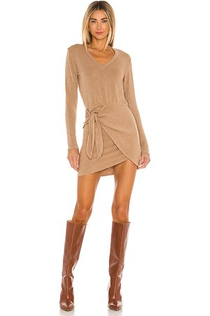 MONROW Women Long sleeves - Supersoft Long Sleeve V Dress in .