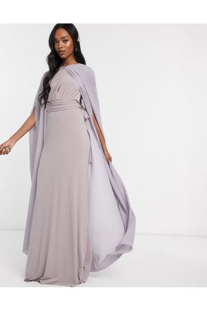 TFNC Maxi chiffon cape in -Grey