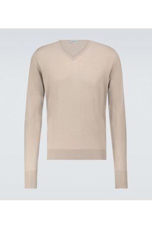 JOHN SMEDLEY Men Sweaters - Bobby merino-blend V-neck sweater