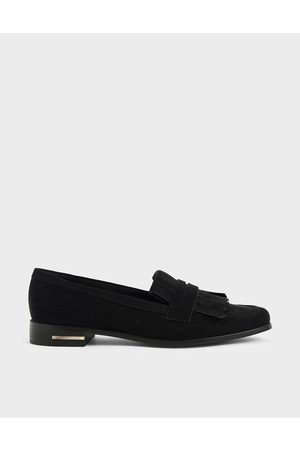 CHARLES & KEITH Textured Frill Loafers
