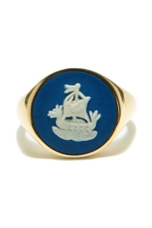 Ferian Women Rings - Sailboat Wedgwood Cameo & 9kt Gold Signet Ring - Womens