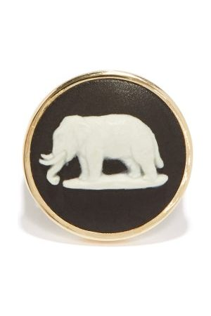Ferian Women Rings - Elephant Wedgwood Cameo & 9kt Gold Signet Ring - Womens