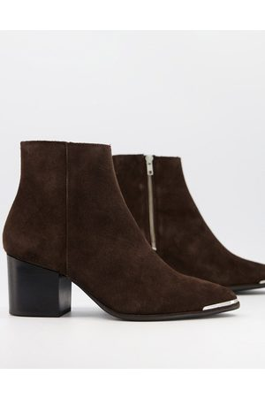 ASOS Heeled Chelsea boots with pointed toe in suede with black sole and metal toe cap