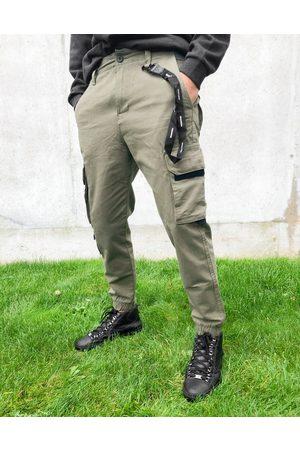 Bershka Cargo Pants - Cargo pants in khaki