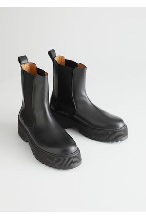 & OTHER STORIES Chunky Leather Chelsea Boots