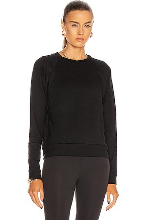 Beyond Yoga Favorite Raglan Crew Pullover in