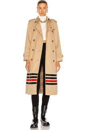 Burberry Waterloo Trench in Neutral