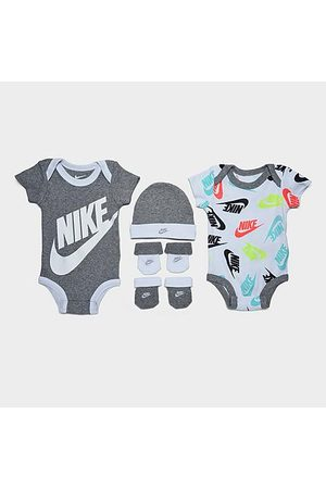 Nike Infant Futura Allover Print 5-Piece Bodysuit, Beanie Hat and Socks Set in /Grey/Grey Size 0-6 Month Knit