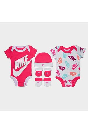 Nike Infant Futura Allover Print 5-Piece Bodysuit, Beanie Hat and Socks Set in / / Size 0-6 Month Knit