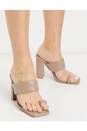 SIMMI Shoes Simmi London Tour padded mules with toe loop in dark