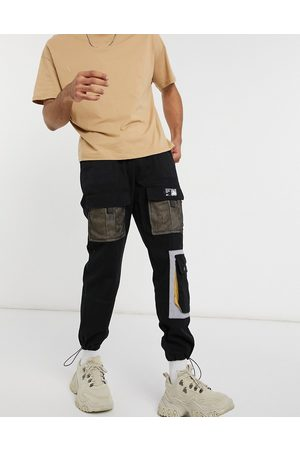 Liquor N Poker Cargo pants with pockets in