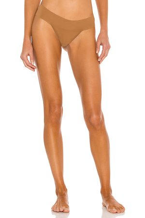 Hanky Panky Eve Natural Rise Thong in .