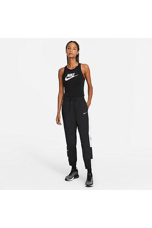 Nike Women's Sportswear Repel Woven Pants in /