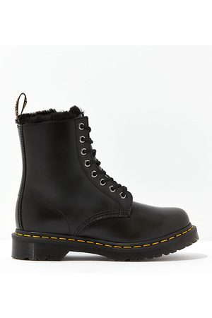 American Eagle Outfitters Dr. Martens 1460 Serena Boot Women's 5
