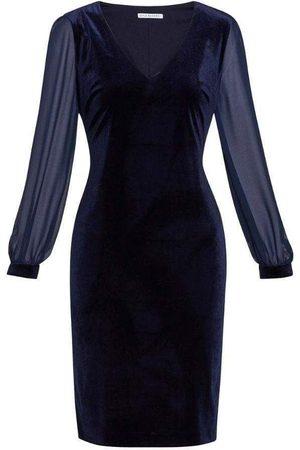 Gina Bacconi Drita Velvet Dress STT2511