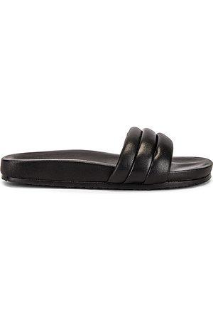 Seychelles Low Key Sandal in .