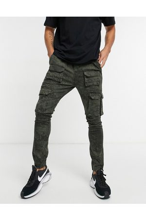 Good For Nothing Cargo pants with pockets in washed