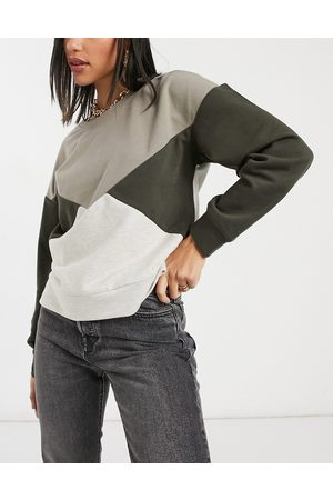 BB Color block sweater in Ivory