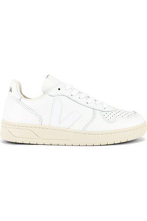 Veja Women Sneakers - V-10 Sneaker in .