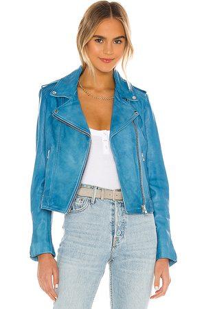 LaMarque Donna Jacket in Blue.