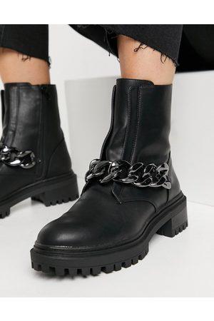 Bershka Chain detail chelsea boot in
