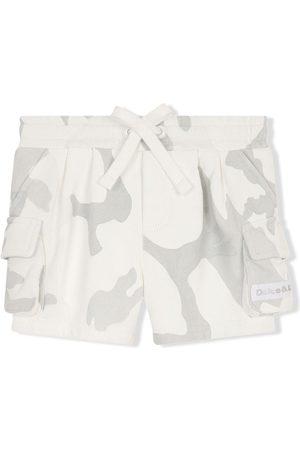 Dolce & Gabbana Camouflage print cargo shorts - Neutrals