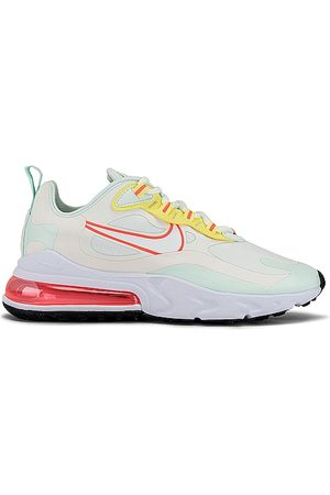 Nike Air Max 270 React Sneaker in ,Mint.