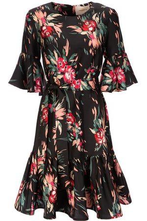 La DoubleJ Women Casual Dresses - Short Curly Swing Dress