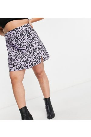 Glamorous 90's mini skirt with notch in floral print