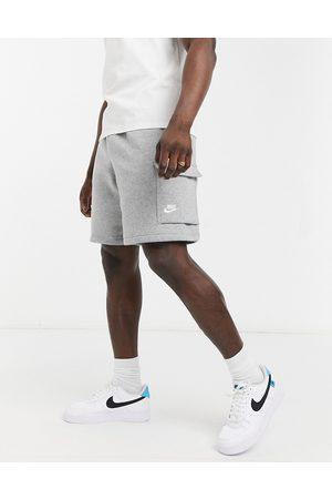 Nike Club cargo shorts in -Grey