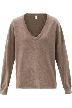 EXTREME CASHMERE Women Sweaters - No.161 Clac V-neck Stretch-cashmere Sweater - Womens - Mid