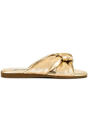 Steve Madden Entrada Sandal in Metallic .